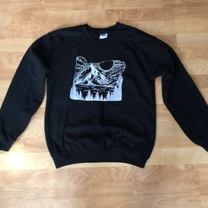 Black mountain crew neck